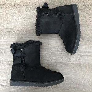 Airwalk Fuzzy 'Ugg style' Boots w/ Lace